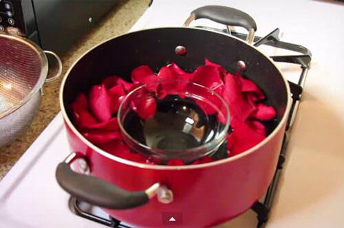 Làm tinh dầu hoa hồng tại nhà